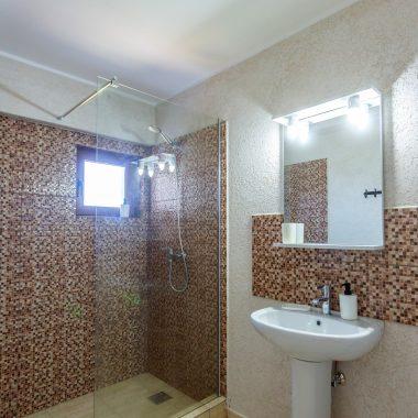 BlackSeaView - Camere - Apartament - baie cu chiuvetă