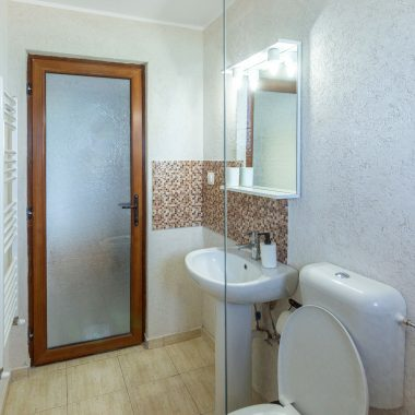 BlackSeaView - Camere - Camera Dubla Etajele 1 si 2 - toaletă cu chiuvetă